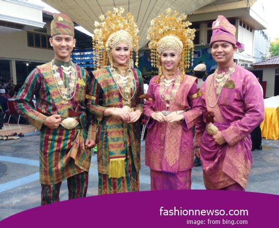 Heres Type Clothes Indigenous Balinese People