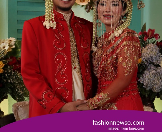 Some Type Of Clothing Traditional Weddings Commissioner of East Java In Indonesia