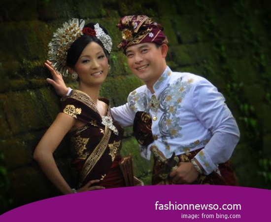 Some Models Of Apparel Traditional Weddings Papua In Indonesia