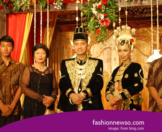 Various Motif Of Fashion Typical Traditional Brides West Kalimantan War In Indonesia