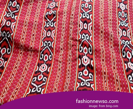 Craftsmen Of Ulos Fabric Traditional And Songket In Indonesia