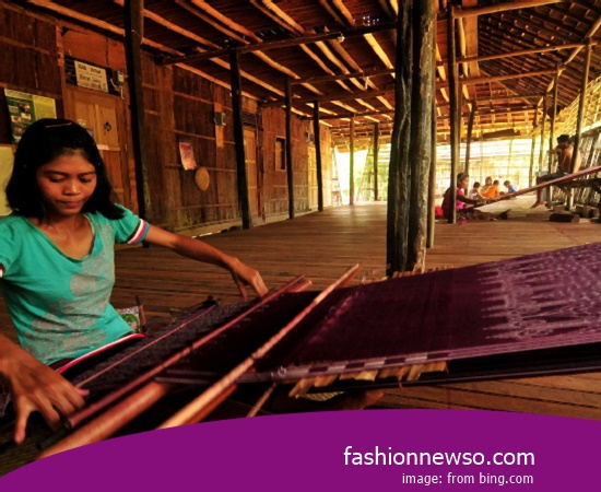 Wholesale Place Of Fabric Songket Traditional Ruteng In Indonesia