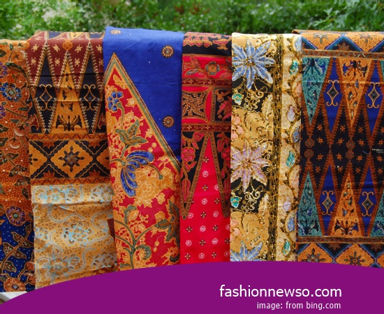 Sorts Type Cloth Grinsing Traditional Typical Lombok In Indonesia